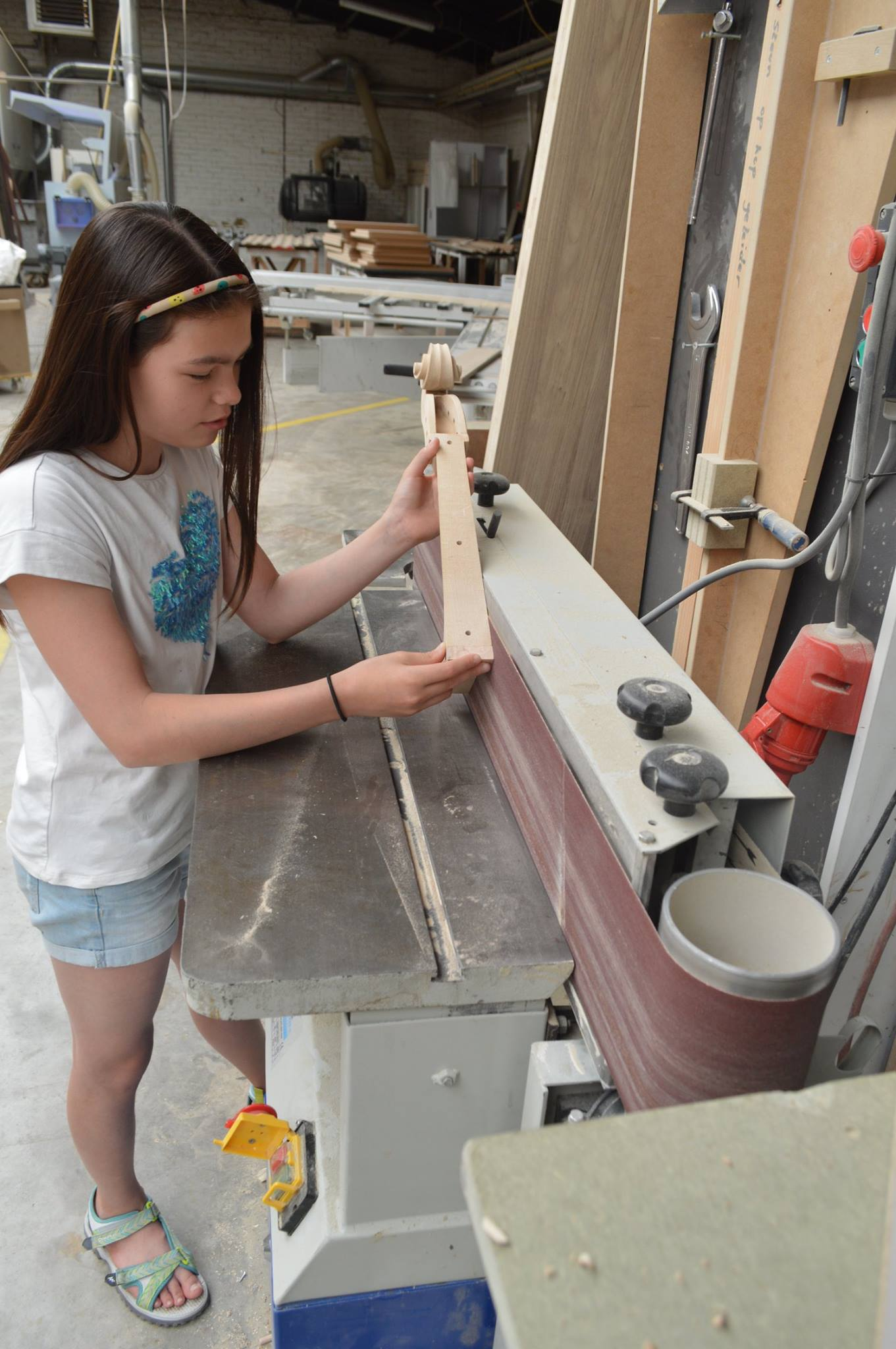 Anika Beauquesne making her XPS cello