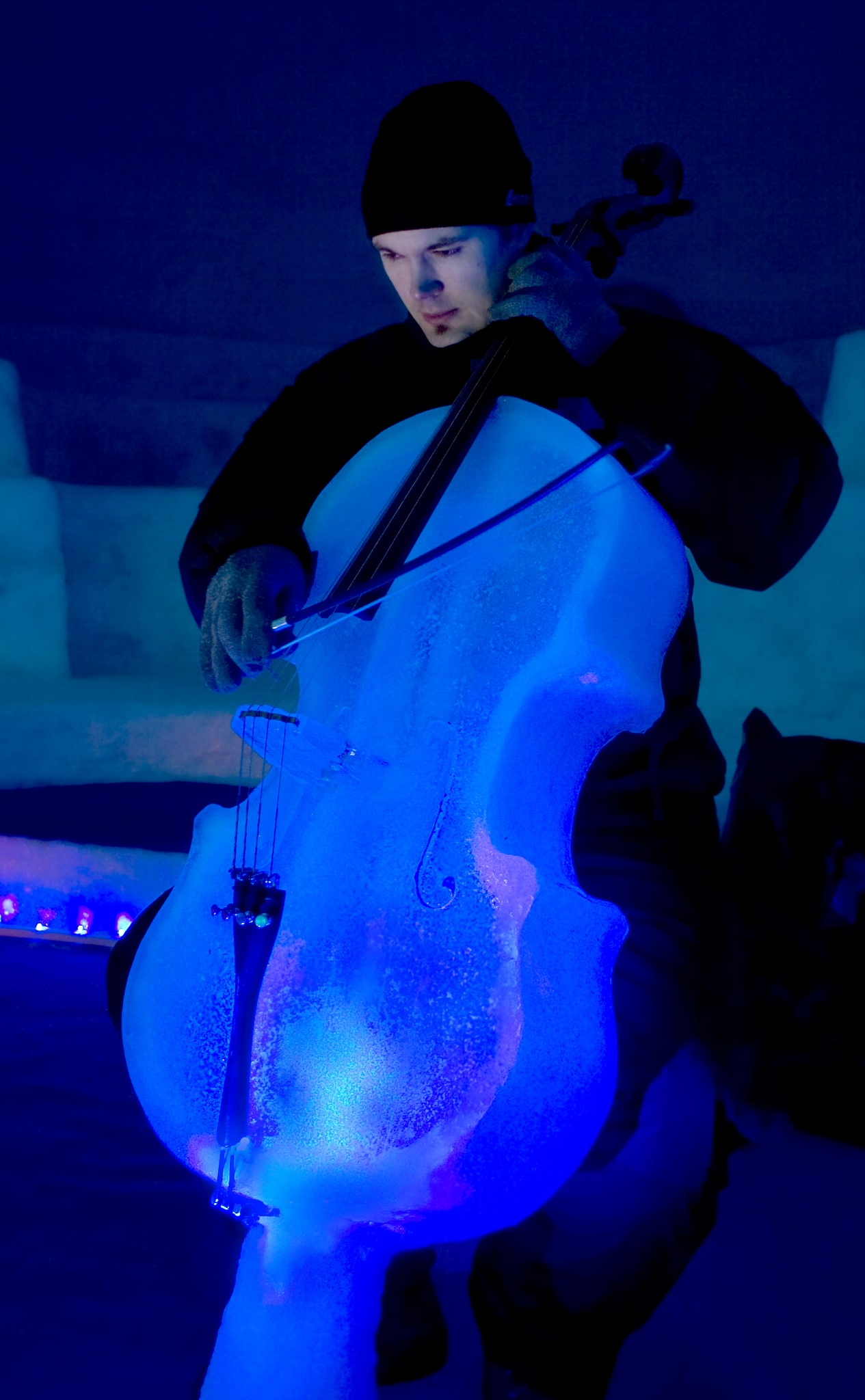 Ice Cello Lit with LED – Ice Music – Photo: Linda Snell